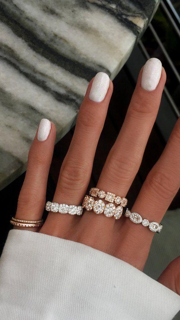14kt gold five oval diamond band