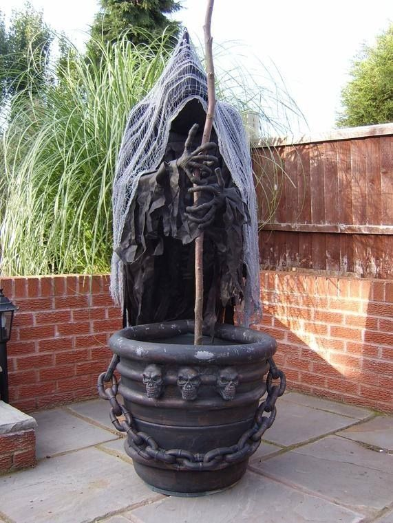 What an amazing Halloween prop -- a spooky cauldron creep! From