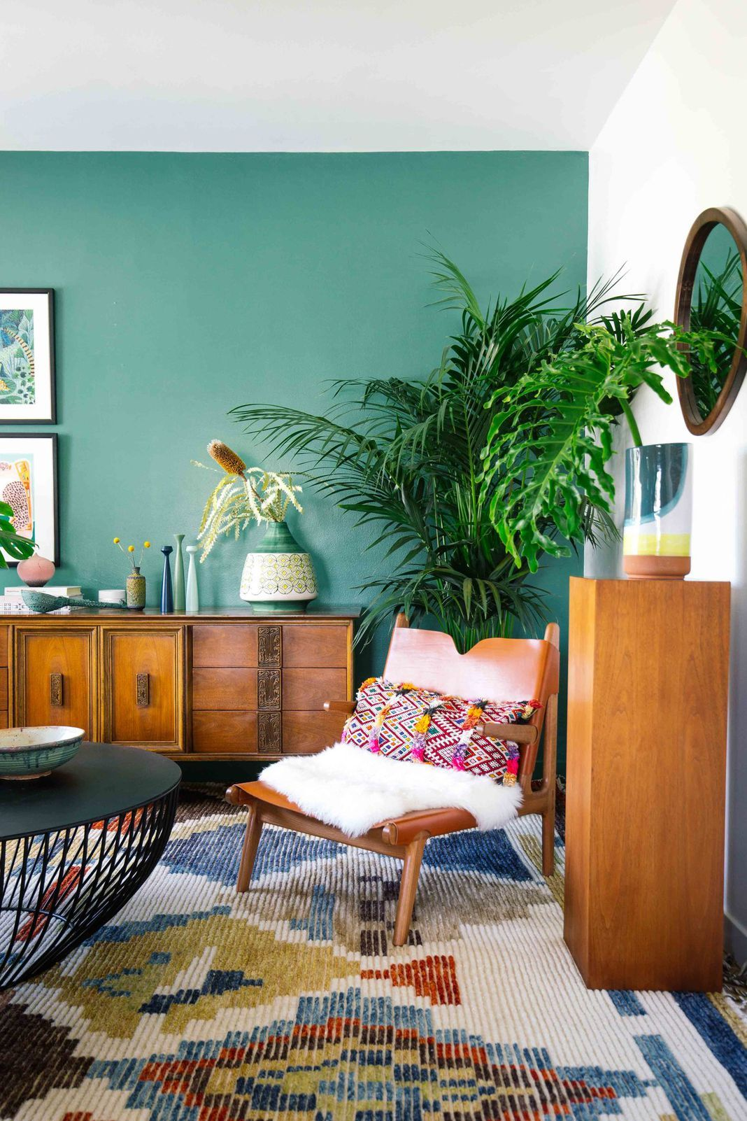 Here S How To Decorate With Green So It Actually Looks Chic Colourful Living Room Beige Living Rooms Living Room Color Room color fashionable inspiration