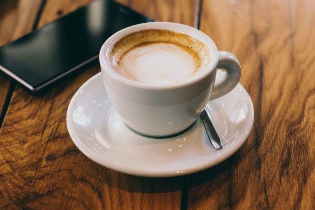 Ein Traum wird wahr: mit Nespresso Prodigio kann man die Kaffeemaschine jetzt auch aus dem Bett heraus starten: mit einer App!