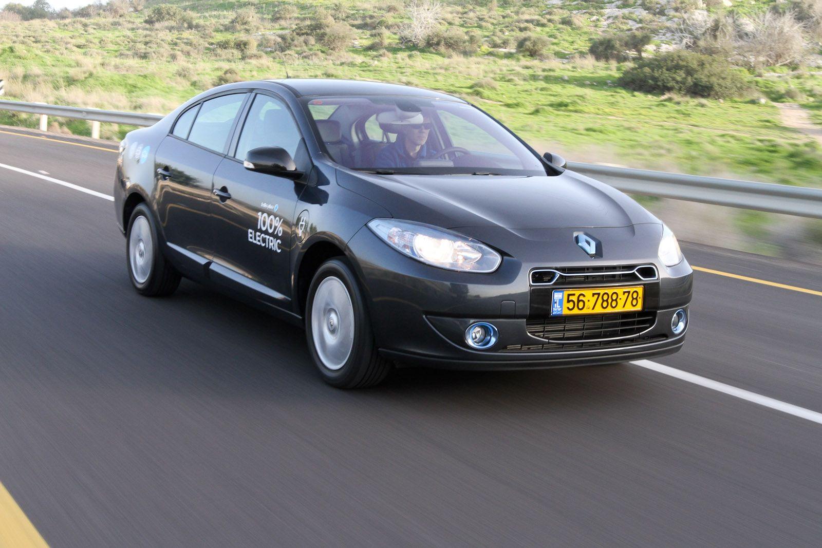 Renault Fluence Ze The World S First Switchable Battery Electric Car Renault Fluence Electric Car Car