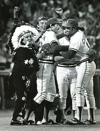 Chief Noc A Homa Left Always Enjoyed Celebrating A Braves Victory Rich Addicks Raddicks Ajc Com Atlanta Braves Braves Braves Baseball