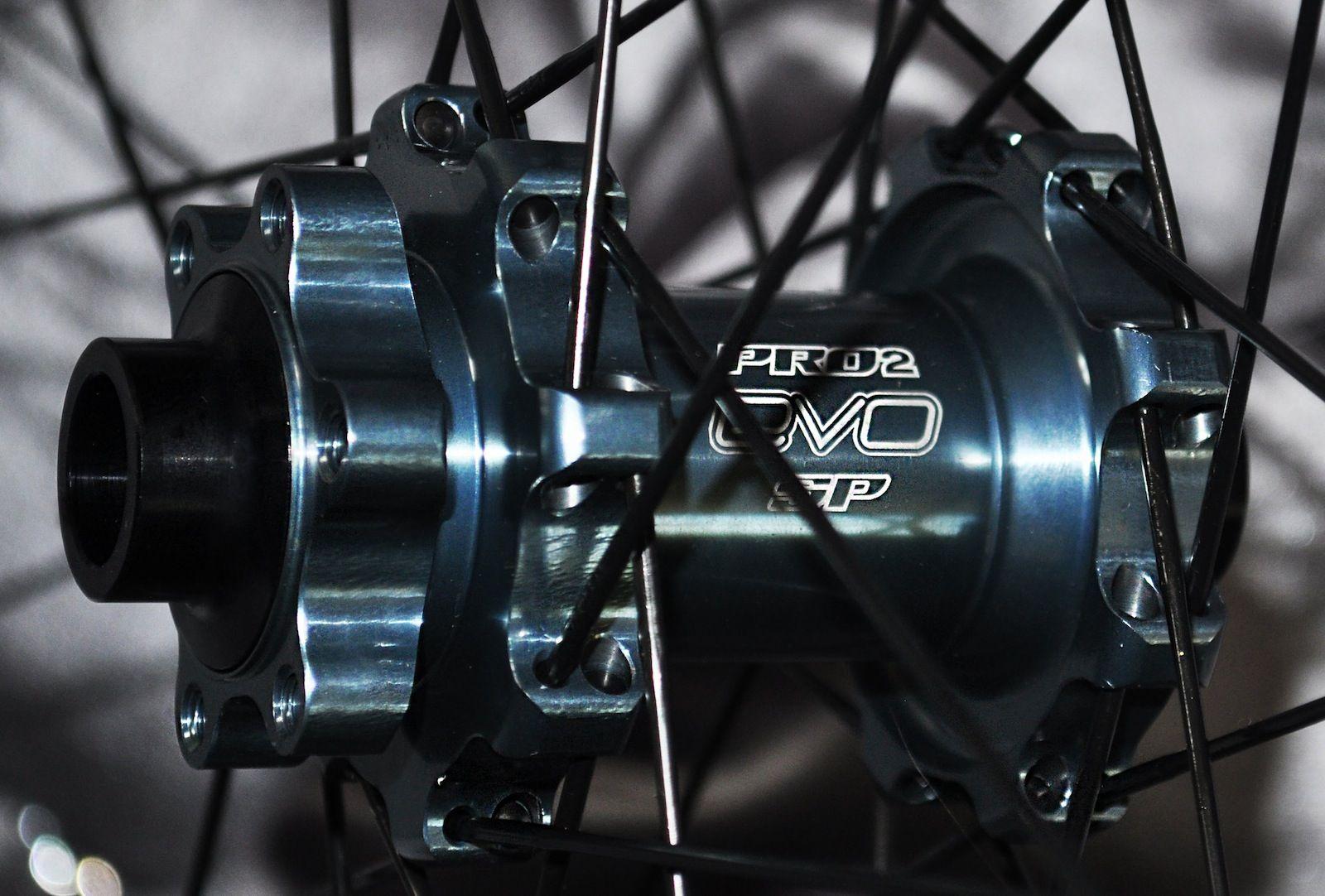 Hope-Hoops-Pro-2-EVO-SP-29er-Wheels-4-on-Bike-Magic.jpg 1.600×1.082 pixels