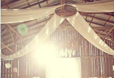 tyg i taket bröllop