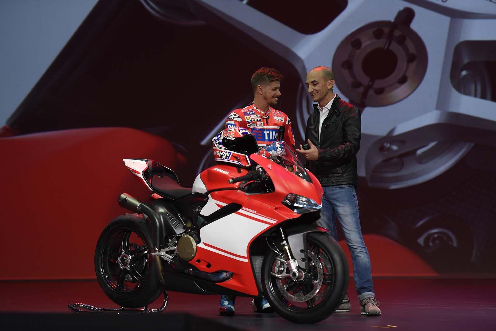 Carbon Fiber Everything Meet The Ducati 1299 Superleggera Eicma