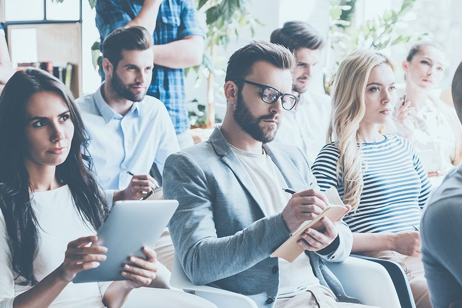 How to run your staff meeting (8 steps w/sample agenda