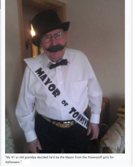 Awesome grandpa dresses up as the Mayor of Townsville from Power - homemade halloween costume ideas men