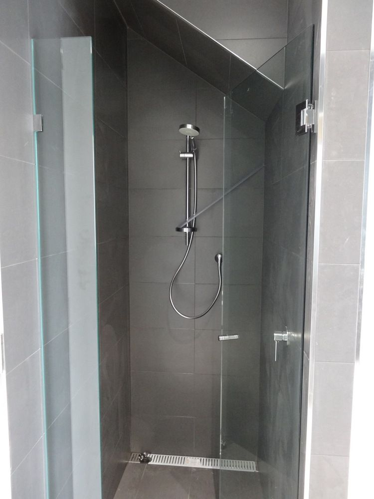 loving this shower under the stairway for that small