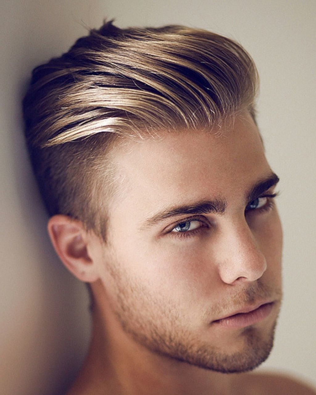 21 Blonde Hairstyles For Men That Every Modern Men Will Love To Try Hairdo Hairstyle Herenkapsels Kapsels Mannen Coole Kapsels