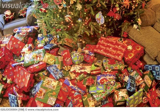 Christmas Presents Under Tree.Christmas Presents Under The Tree Christmas Gifts Under