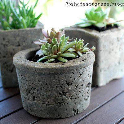 fabriquez des pots de fleurs en b ton maison com pinterest bricolage beton et jardins. Black Bedroom Furniture Sets. Home Design Ideas