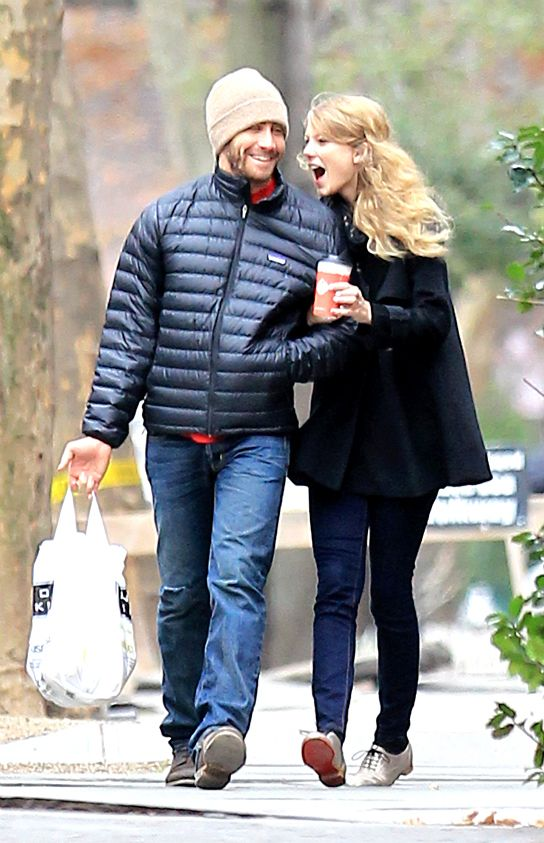 Jake Gyllenhaal Treats His Princess Taylor Swift To A Private Movie Date Exclusive Taylor Swift Boyfriends Jake Gyllenhaal Taylor Swift Bf