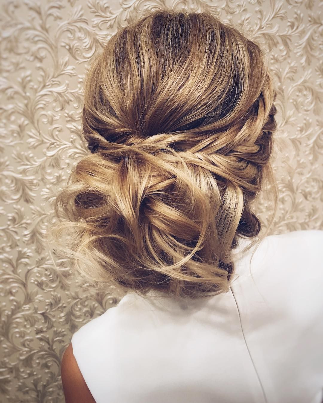 ♕pinterest/auroraciyella22 | hair | hair, messy wedding
