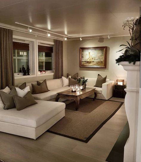 Photo of #smalllivingroom Take A Look At The Best Italy Based Luxury Furniture Brands,  #based #Brands #fireplacemantle…