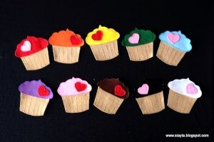 We have some felt cupcakes like this. My 3yo and 6yo LOVE them!