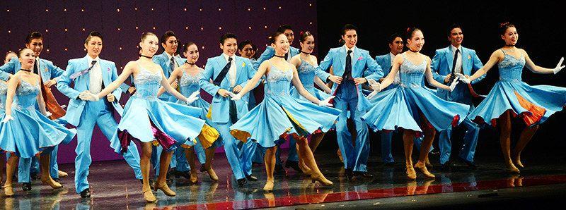 未来のタカラジェンヌが宝塚音楽学校の卒業を前に、学んだ成果を発表する「第104期生文化祭」が16日始まった。宝塚音楽学校によると、ファンの間で人気が高く、従来の2日間の日程を3日間に延長したという(チケットは完売)。