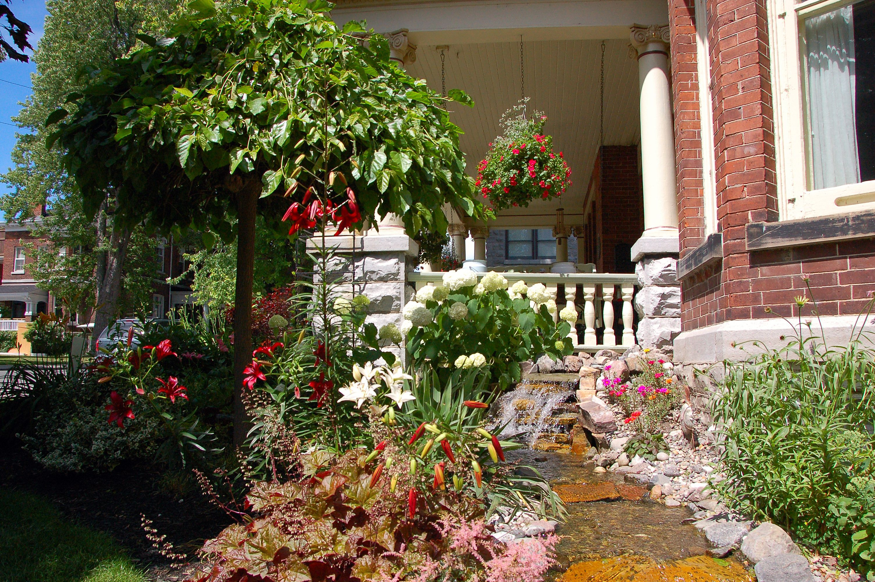 Secret Garden Bed And Breakfast Kingston Ontario Garden Beds Garden Landscape Architecture