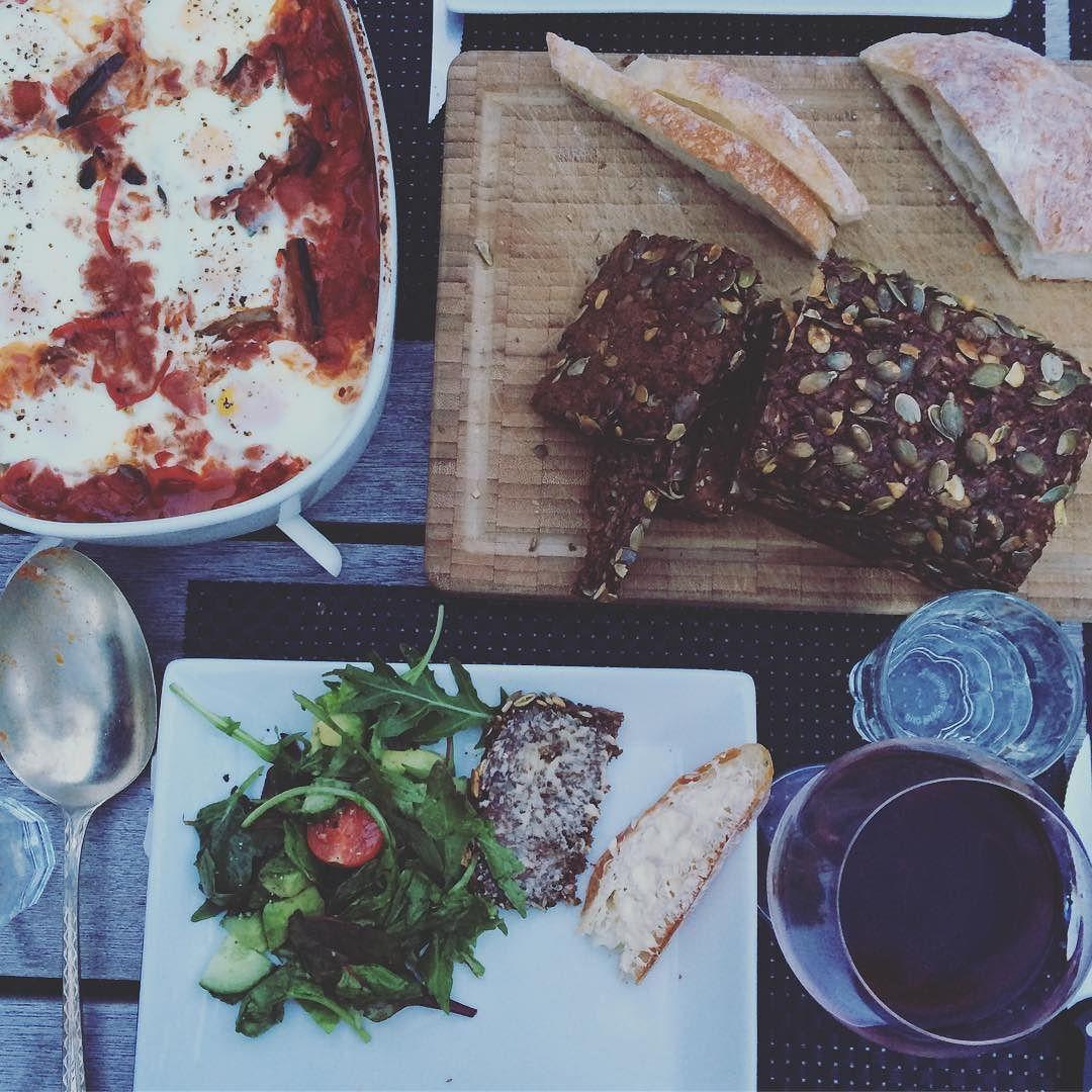 Summer dinner Alfresco. #rivercottagerecipe #gilleleje #dinner #food #wine #redwine #rugbrød #didntrainforachange