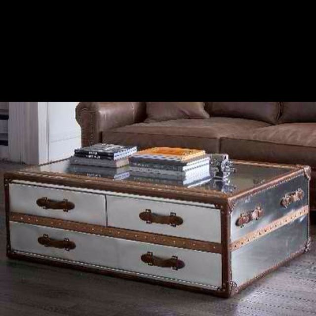Love this chest/coffee table...super into the mirrored look!
