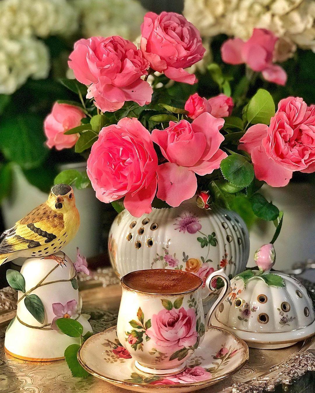 Casnigiran Pe Instagram Keyifli Aksamlar Dilerim Pembe Gulleri Cok Seversin Canim Ozelhulya M Keske Coffee Images Good Morning Coffee Tea Pots