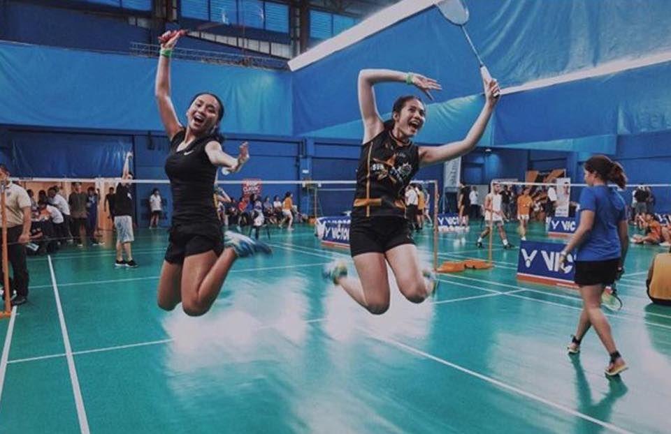 This is Kathryn Bernardo and Janella Salvador having fun