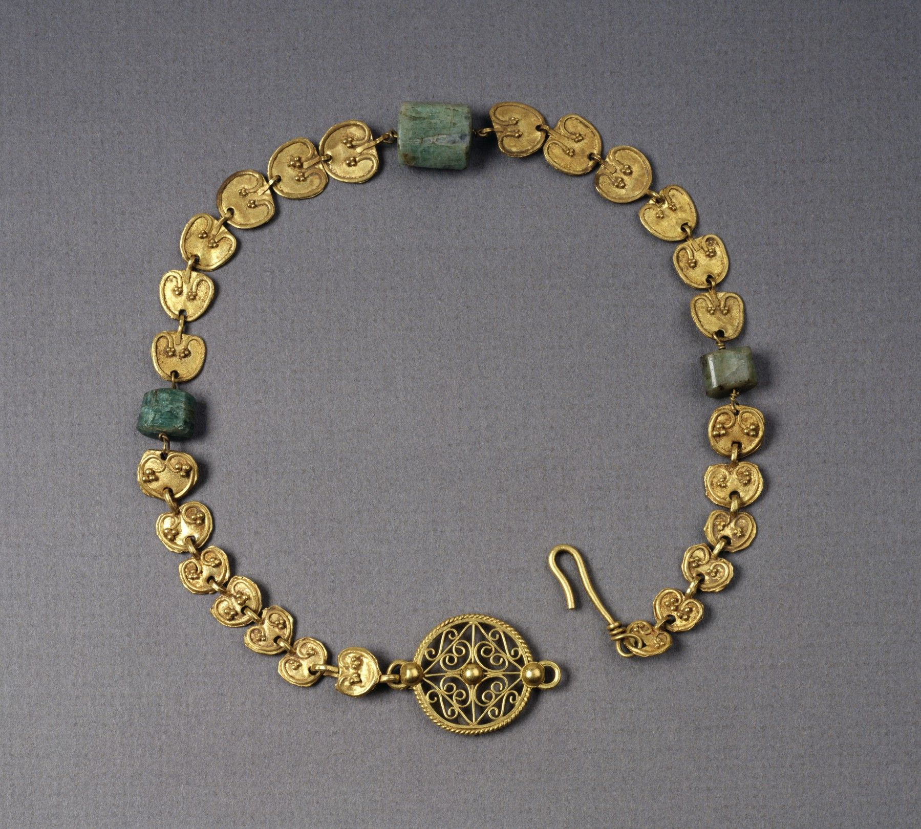 Full size gold necklace with heartshaped plaques museo del