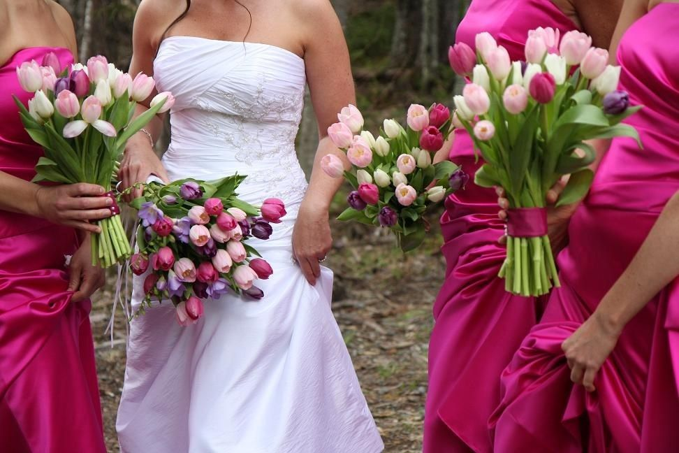 Spring wedding inspiration spring bridal bouquet ideas merle tulips spring wedding inspiration spring bridal bouquet ideas merle tulips wedding flowers ideas 972x648 mightylinksfo