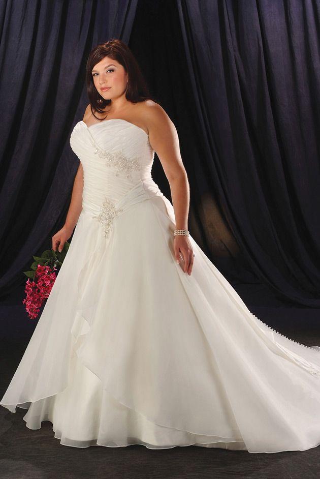 Pin by Nancy Willis on Plus Size Wedding Dresses | Pinterest | St ...