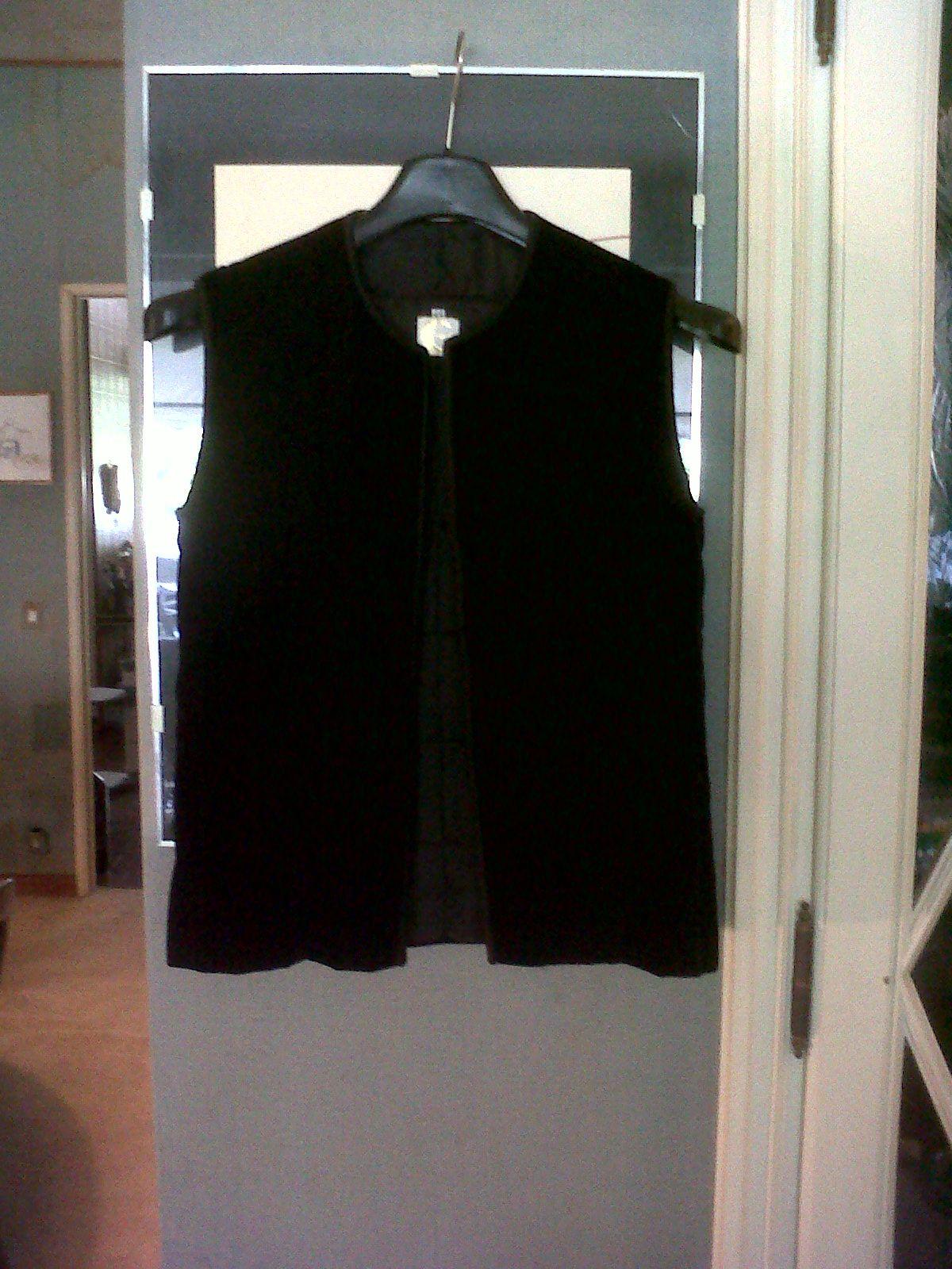 Elegant 70s Midi velvet skirt with velvet quilted vest. Cravero Alta Sartoria Torino Italy