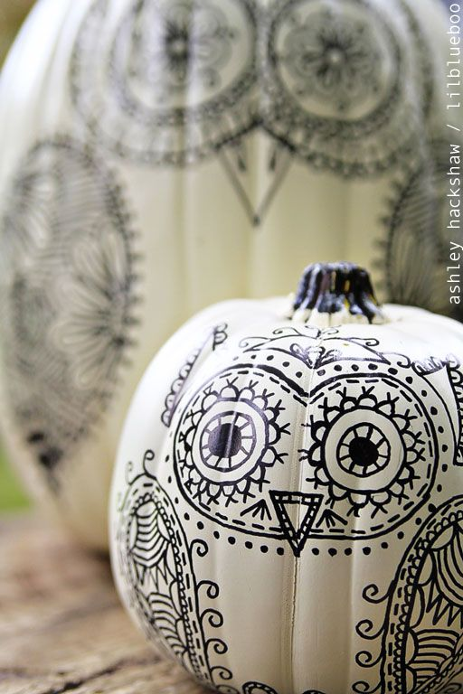 A cute idea for decorating a pumpkin without carving it: draw these ...