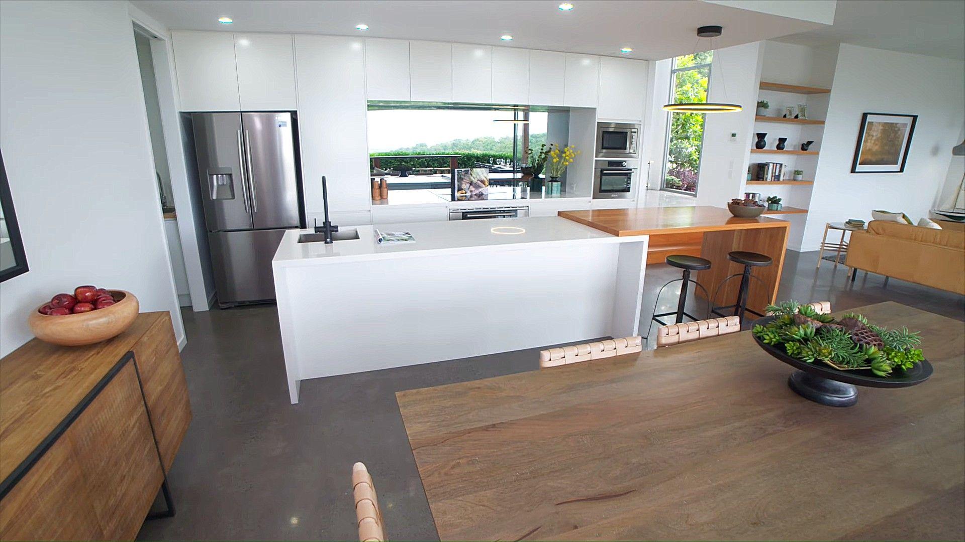 Zweifarbige Kücheninsel Aus Holz Mit Geschirrspüler Home