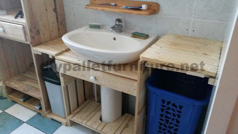 Meubles-de-salle-de-bains-fabriqués-entièrement-à-partir-de-palettes3.jpg (800×450)