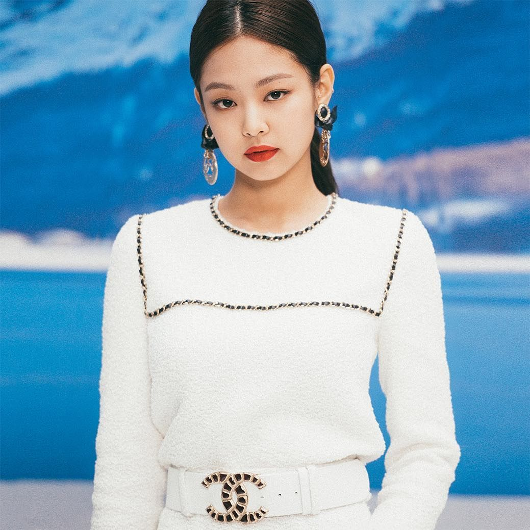 Chanel On Instagram House Ambassador Jennie Kim Attended The Chanelinthesnow Show At The Grand Palais In Paris Earlier Today Chanelfallwinter Chanel Pfw