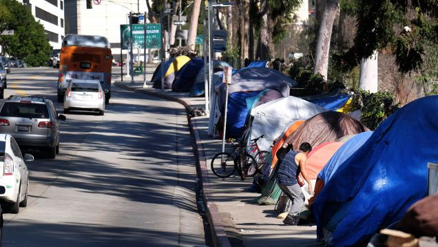 Homelessness Is Booming On The West Coast And I Ll Give You One Guess Why Homeless People Homeless Helping The Homeless