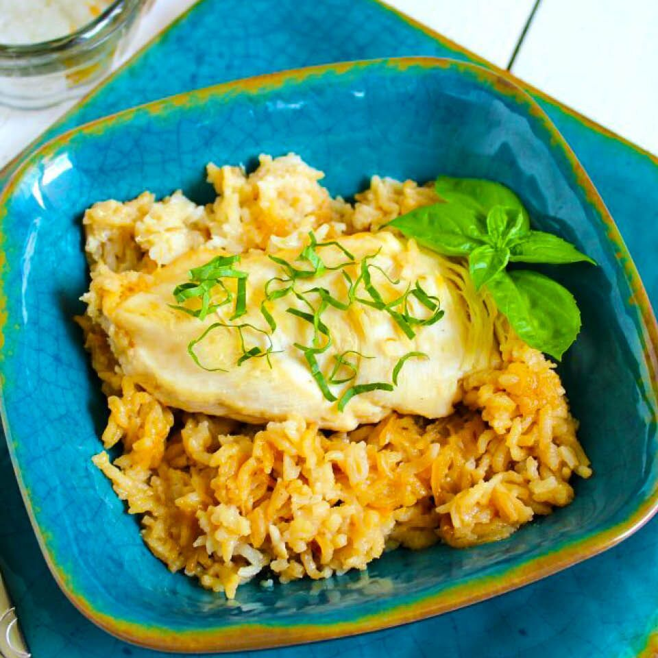 5 Ingredient Chicken Rice Bake One Dish Chicken Recipe Recipe Chicken Recipes Ingredients Recipes Chicken Dishes