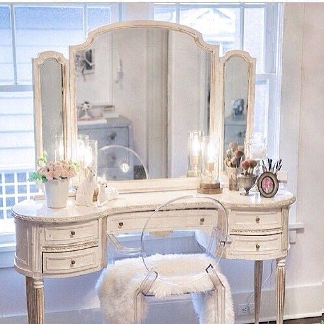 Pin By June Medders On Makeup Vanity Rm Shabby Chic Vanity Shabby Chic Dresser Home Decor