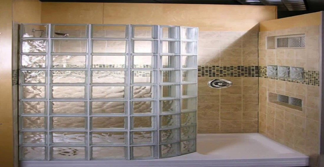 Doorless Shower With Unique Glass Wall Glass Block Shower Doorless Shower Doorless Shower Design