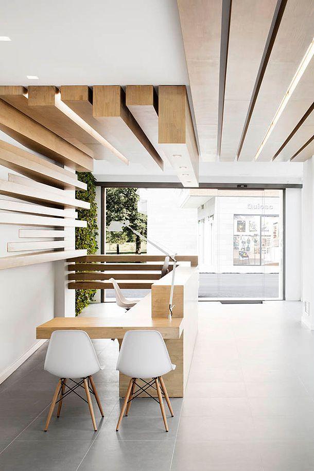 Resultado de imagen de hall de entrada techo madera hall for Plafones para pared