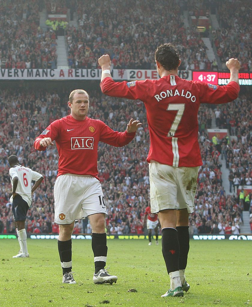 Manchester England September 27 Wayne Rooney Of Manchester United Celebrates S Cristiano Ronaldo Manchester Manchester United Team Manchester United Rooney