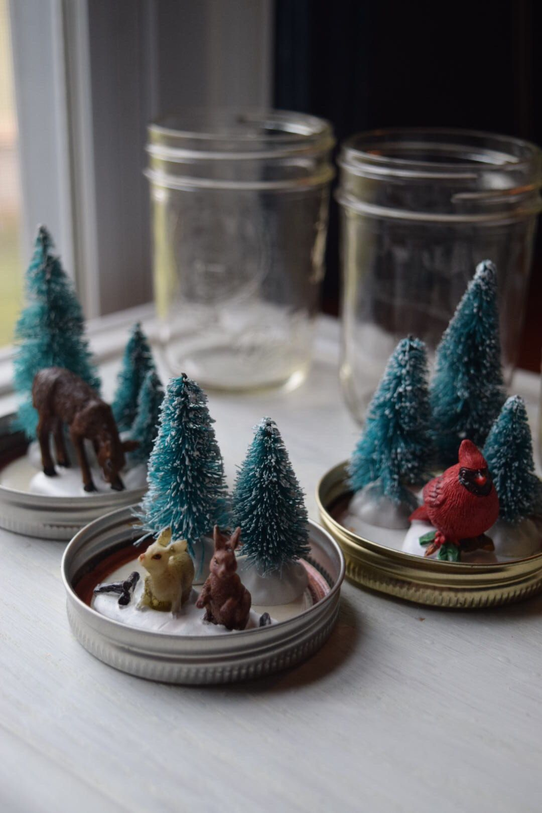 How to Make MiniMason Jar Snow Globes Jars snow, Mini
