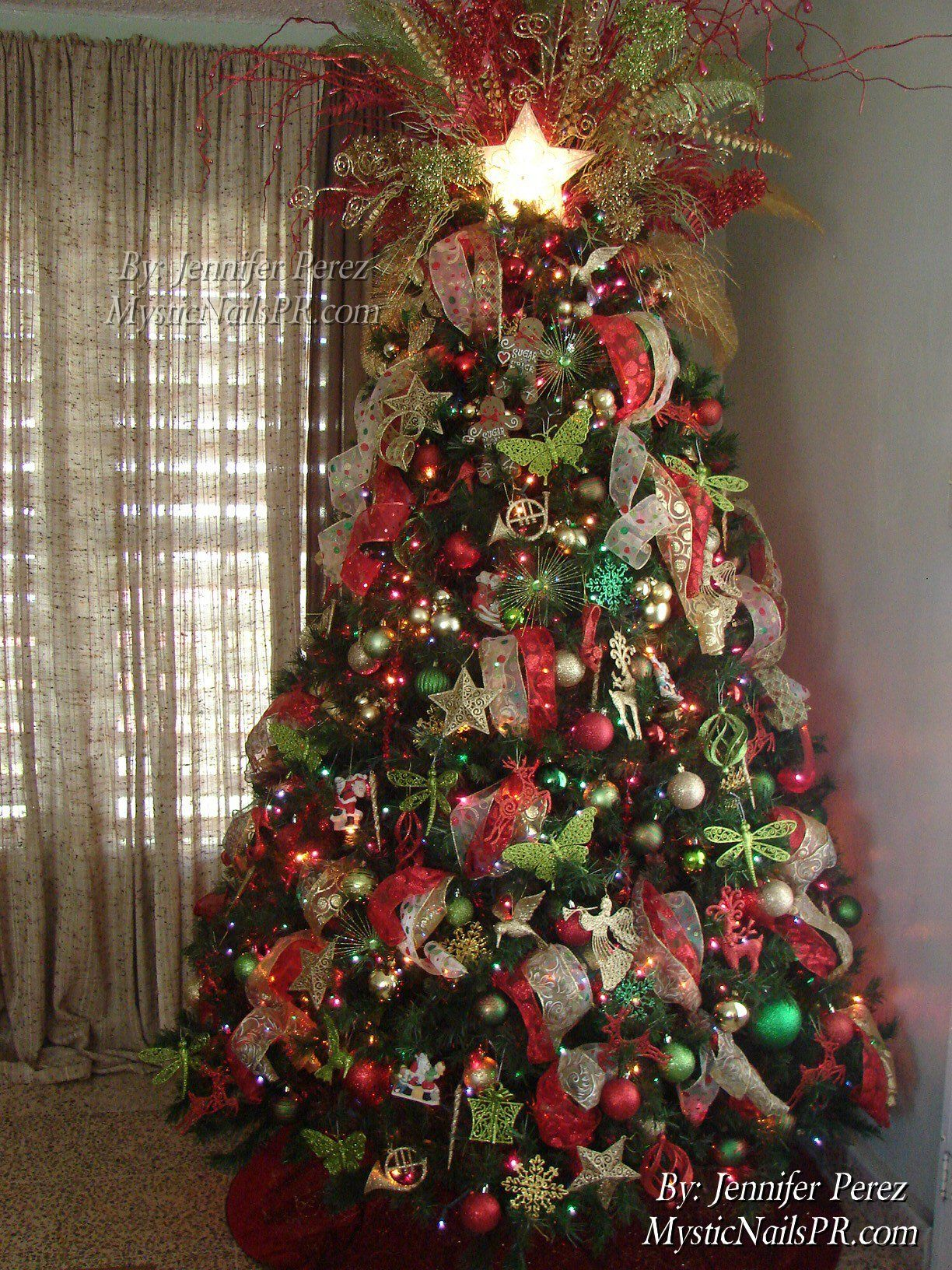 Red green gold Christmas tree Christmas Trees Pinterest