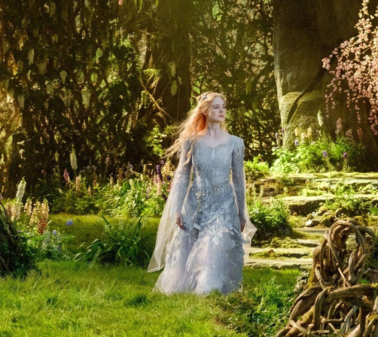 Elle fanning as princess aurora in maleficent mistress of