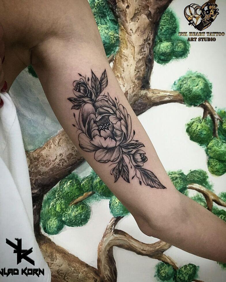les tatouages floraux roses fleur de lotus pivoines. Black Bedroom Furniture Sets. Home Design Ideas