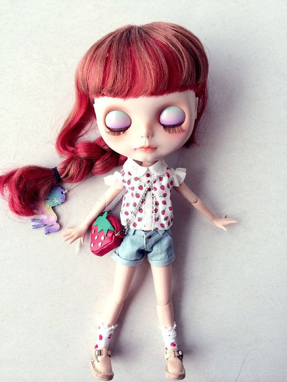 The limited strawberry sets for the blythe doll by sunnypigs