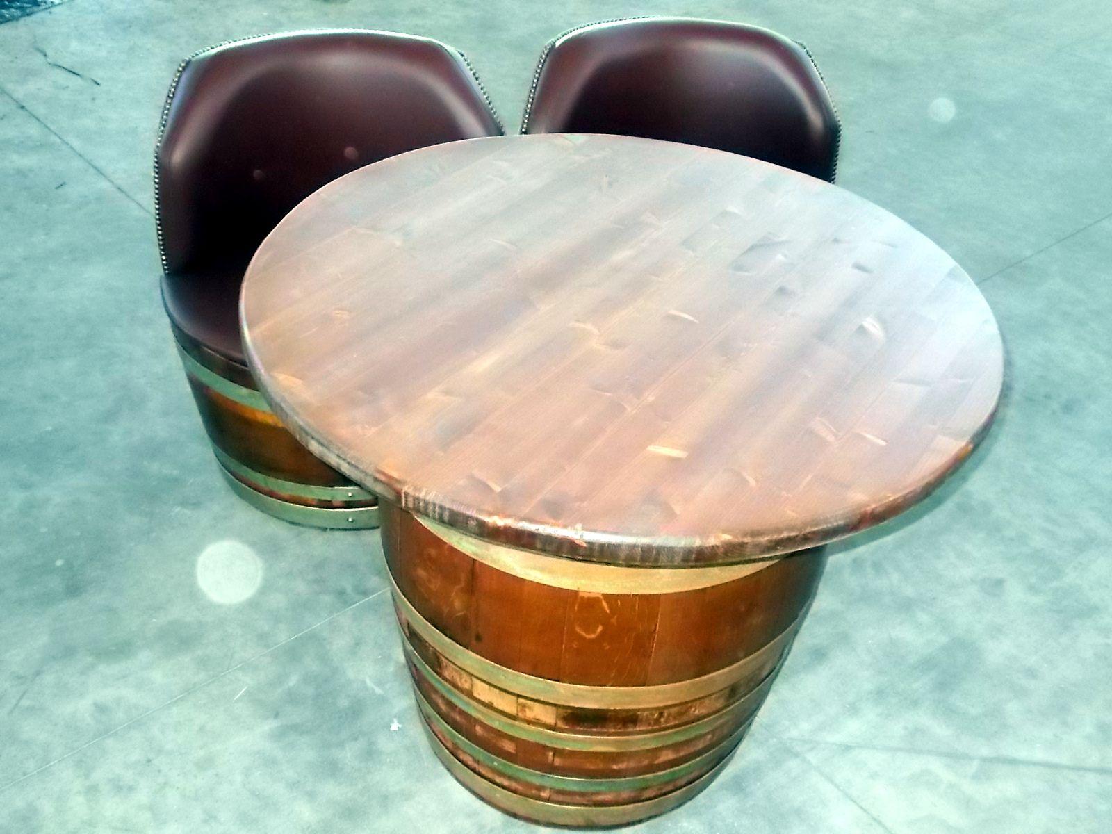1755 - Divanetto da 2 barrique imbottite con seduta unica e tavolino coordinato - Briganti srl - Tel.0547 310171