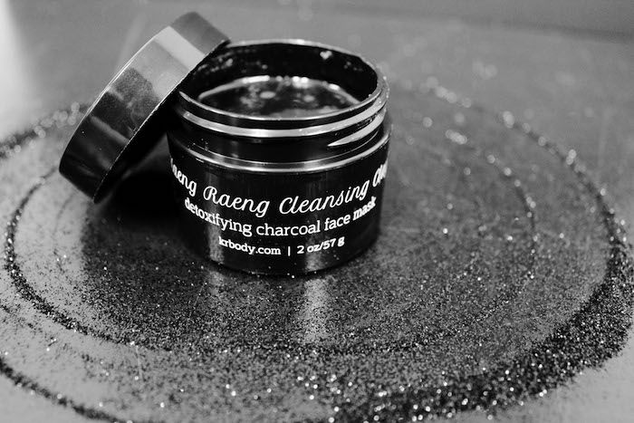 Kaeng Raeng Cleansing Clay is a detoxifying face mask made with charcoal. #GoodLooks