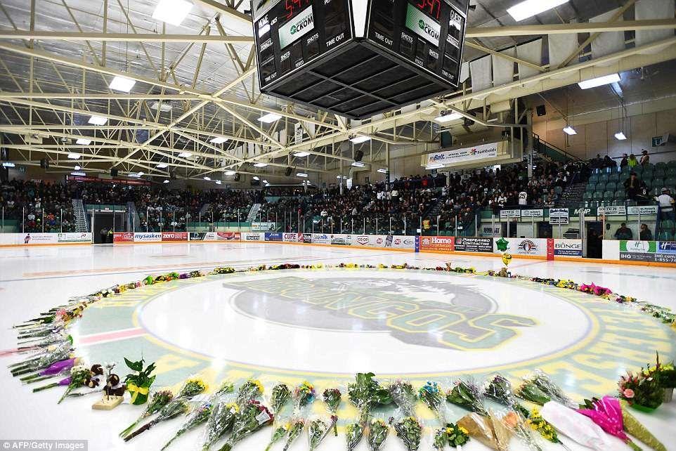 Thousands Gather To Honor The Victims Of The Humboldt Broncos Crash Humboldt Broncos Saskatchewan