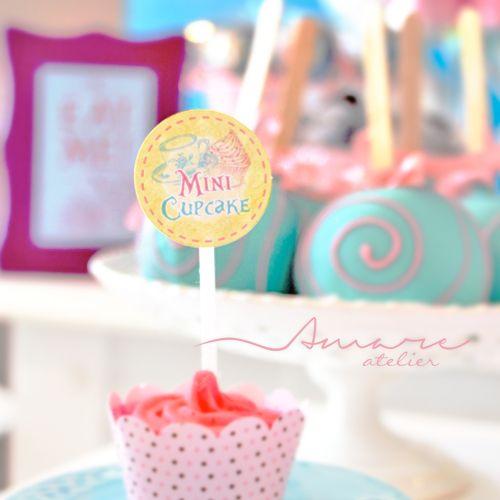 Mini Toppers * Design feito com amor! #amareatelier | Lu Wonderland | #party #birthday #design #scrap #krafts #diy #alice #wonderland | facebook.com/amareatelier