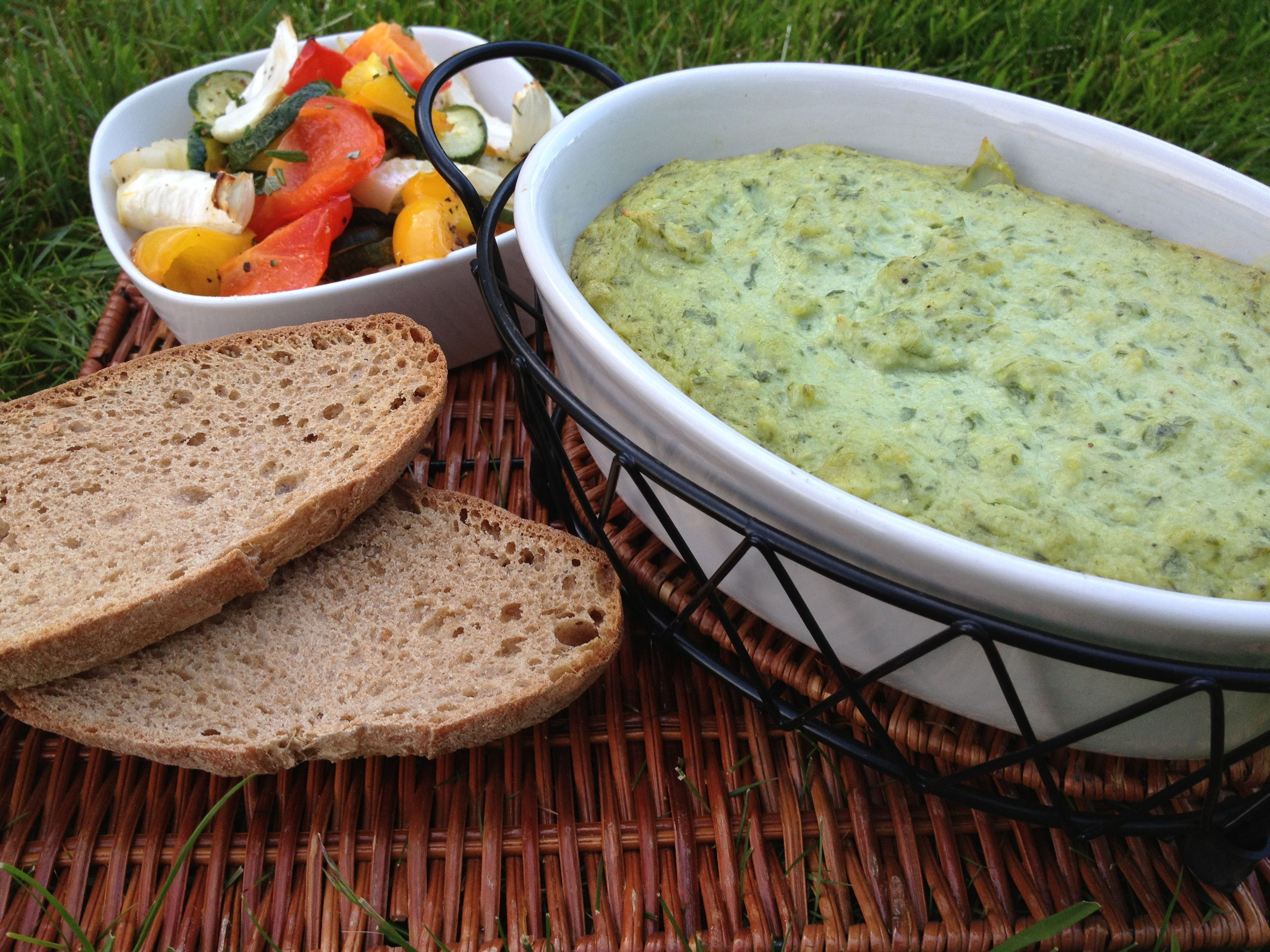 Creamy artichoke spinach dip from plant powered families vegan spinach artichoke dip forumfinder Image collections