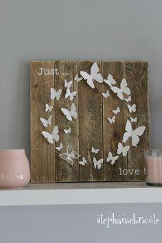 un cadre papillon en palette papier et vinyle 100 plaisir avec la cameo vinyles. Black Bedroom Furniture Sets. Home Design Ideas